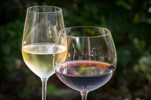 Weißwein und Rotwein aus Deutschland