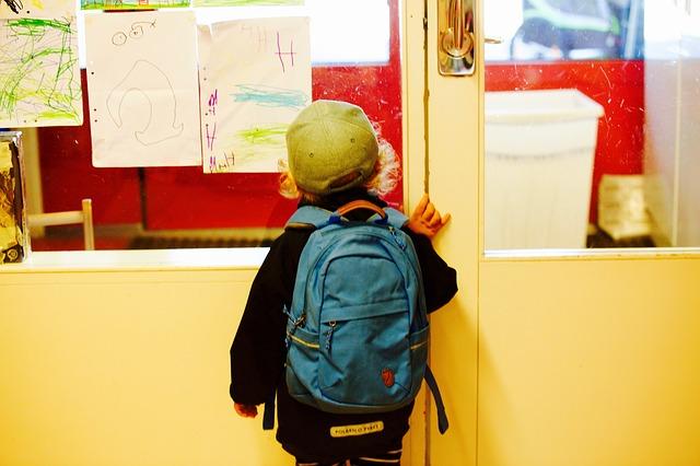 Rückenprobleme bei Kindern: Der richtige Schulranzen